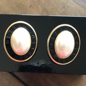 Givenchy Earrings clip ons